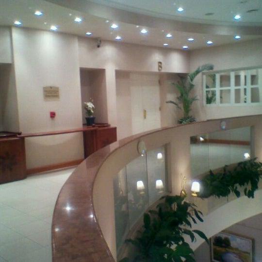 Das Foto wurde bei InterTower Hotel von Patricia R. am 10/3/2011 aufgenommen