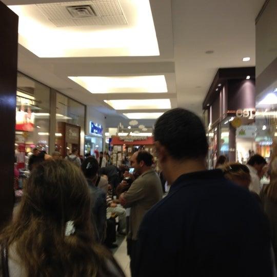 Das Foto wurde bei Portones Shopping von Daniel S. am 3/24/2012 aufgenommen