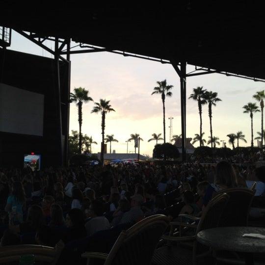 Foto tomada en Coral Sky Amphitheatre por Ellie K. el 8/24/2012