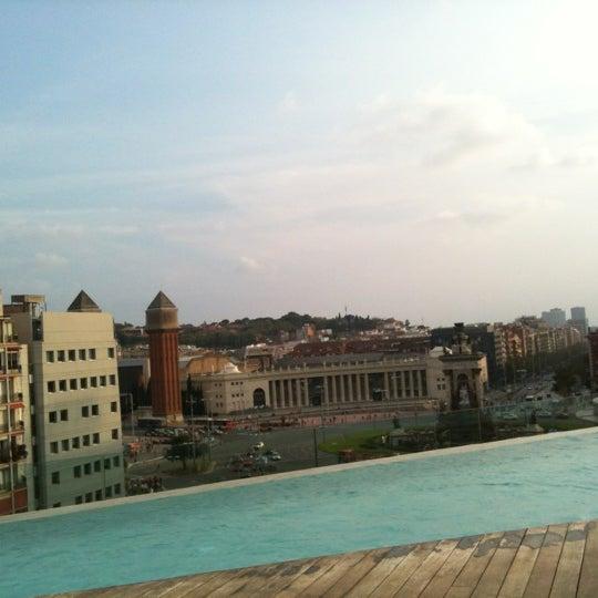 Super Zimmer, super Lage, Wahnsinns Aussicht vom Pool auf dem dach!