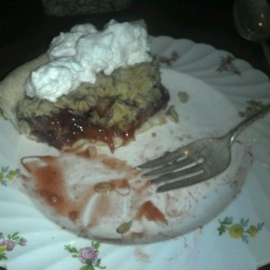 I have never had anything that even comes close to how delicious this strawberry rhubarb pie is.