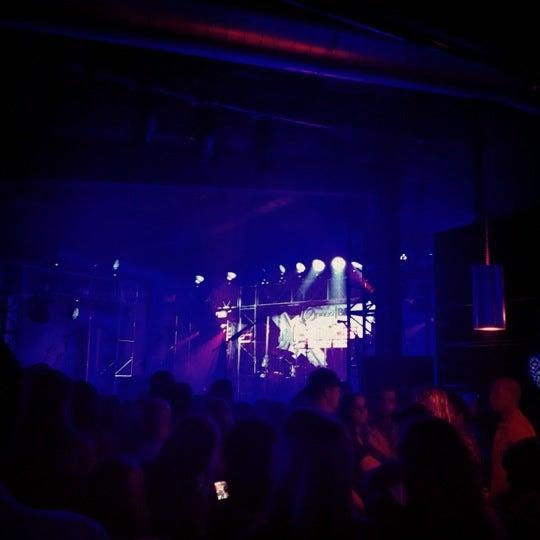 Снимок сделан в The Cannery Ballroom пользователем Corrin C. 7/31/2012