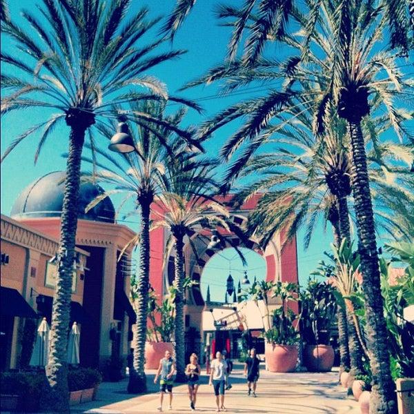 Снимок сделан в Irvine Spectrum Center пользователем Irvine R. 7/23/2012