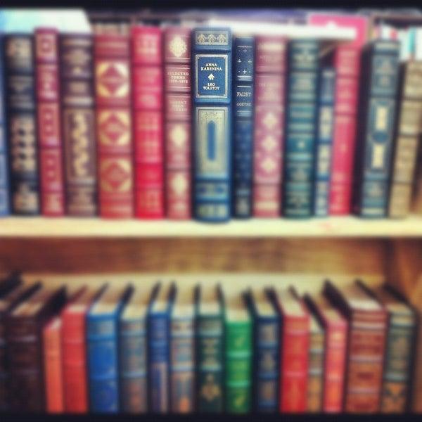 Foto tirada no(a) Strand Bookstore por anjelika em 4/5/2012