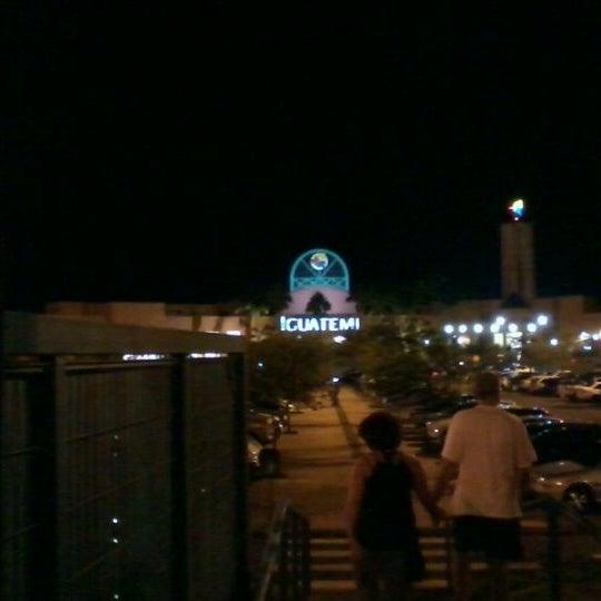 รูปภาพถ่ายที่ Shopping Iguatemi โดย Vitor R. เมื่อ 2/26/2012