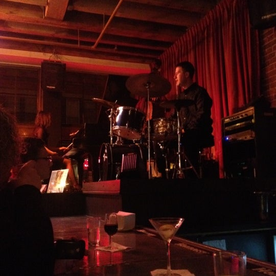 4/15/2012にAlipio H.がLes Zygomates Wine Bar Bistroで撮った写真