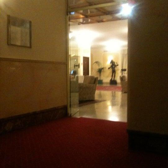 Foto tirada no(a) Hotel Napoleon Roma por Lidia em 7/25/2012