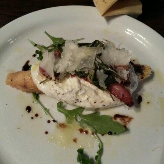 Снимок сделан в Cafe Firenze пользователем Ryan L. 7/30/2012