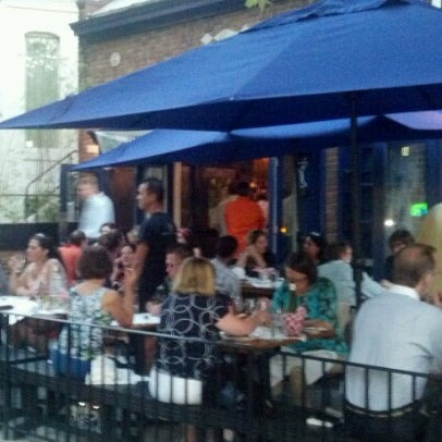 Foto scattata a Hank's Oyster Bar da Matty R. il 9/13/2012