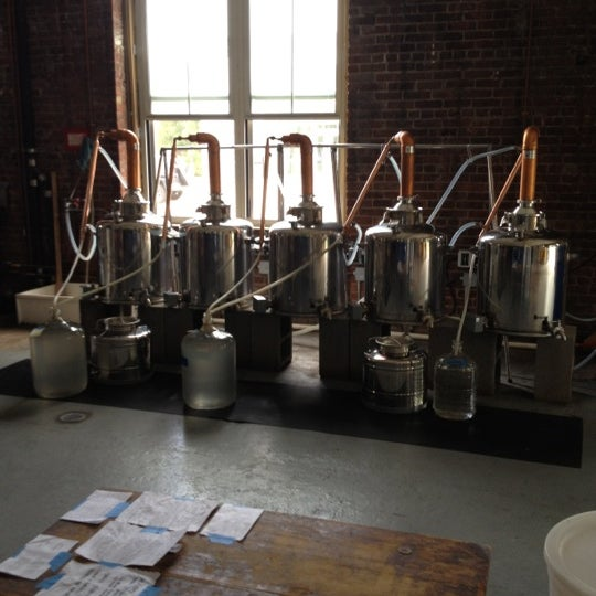 Foto scattata a Kings County Distillery da Andrew C. il 8/18/2012