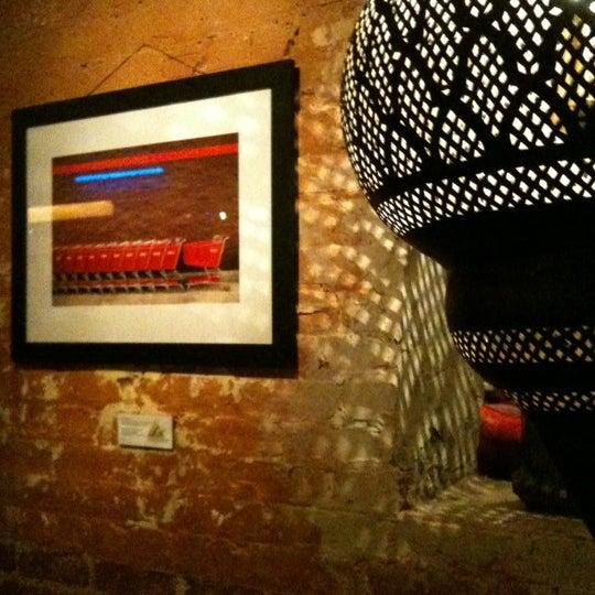 4/7/2012에 Linnie님이 Mosaic Wine Lounge에서 찍은 사진