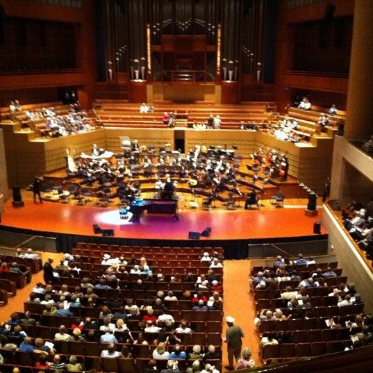 Foto tirada no(a) Morton H. Meyerson Symphony Center por Brooke T. em 9/3/2011