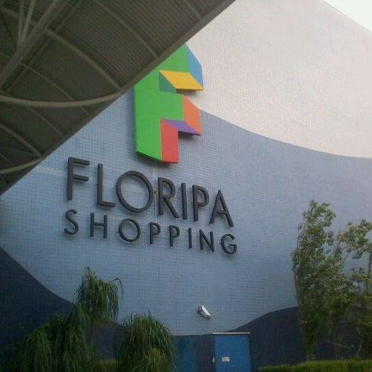 Снимок сделан в Floripa Shopping пользователем Hendy N. 1/1/2012
