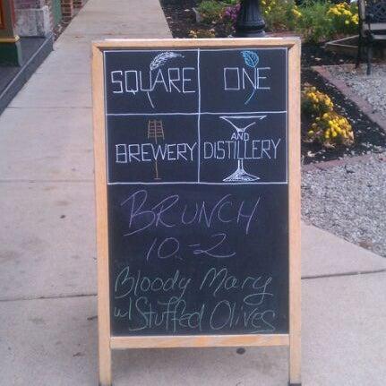 Das Foto wurde bei Square One Brewery & Distillery von Jessica D. am 11/20/2011 aufgenommen