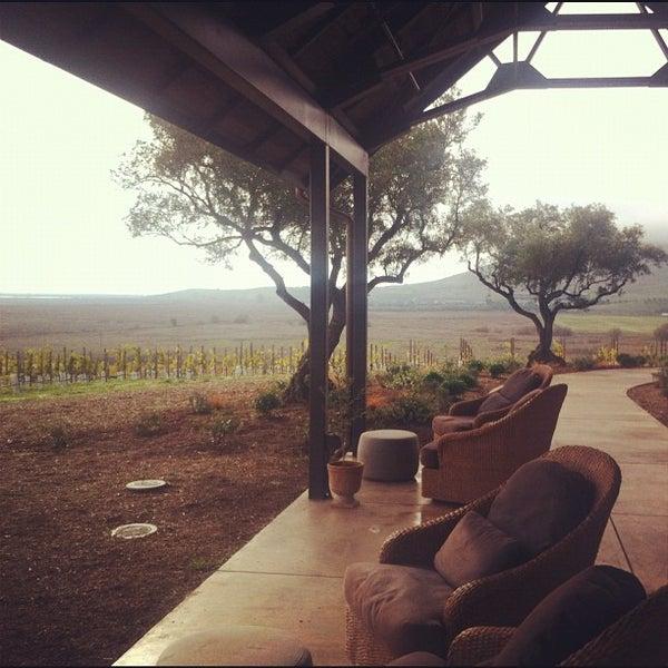 รูปภาพถ่ายที่ Ram's Gate Winery โดย Carlos P. เมื่อ 11/28/2011