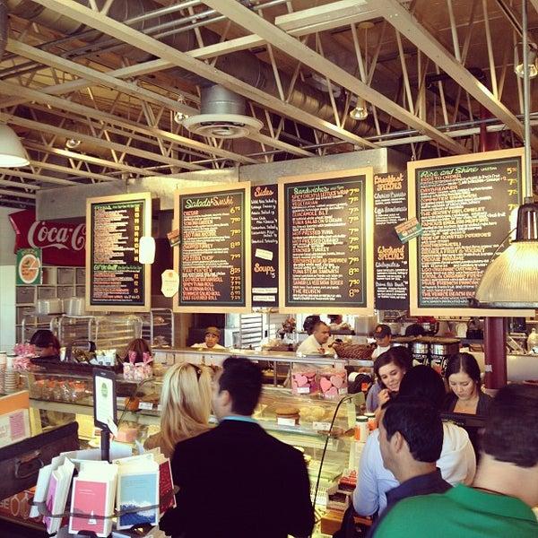 1/29/2012にBryan S.がLa Grande Orange Grocery & Pizzeriaで撮った写真