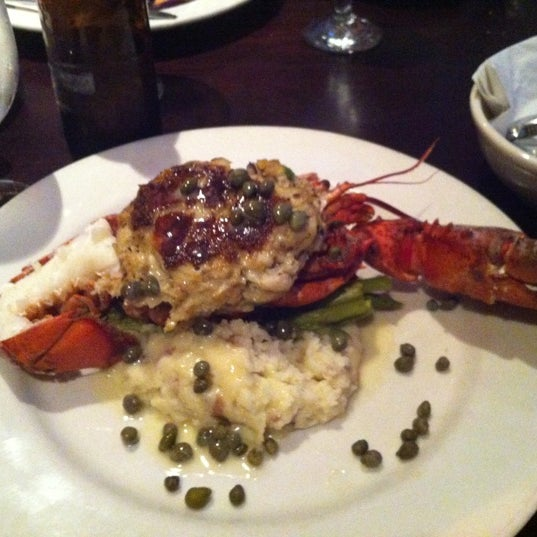Photo prise au Water Coastal Kitchen par Kristie le6/20/2012
