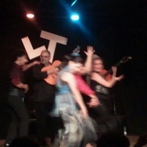 Снимок сделан в Las Tablas Tablao Flamenco пользователем claudia 10/8/2011