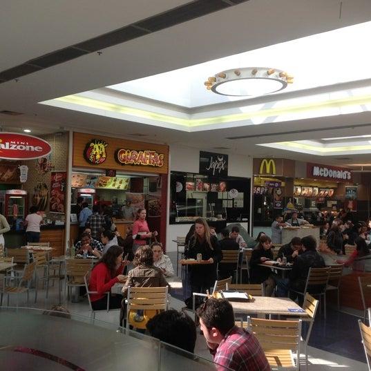 Foto tirada no(a) Floripa Shopping por Ricardo B. em 6/11/2012