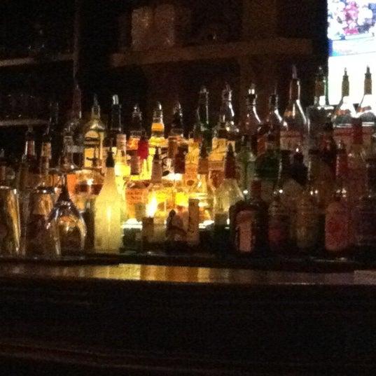 Foto tirada no(a) Bourbon Street Bar & Grille por Joshua em 6/14/2012