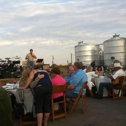 Das Foto wurde bei Larson Family Winery von Laurie G. am 9/11/2011 aufgenommen
