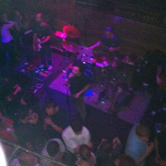 6/7/2012 tarihinde Grazzia G.ziyaretçi tarafından Kia Ora Pub'de çekilen fotoğraf