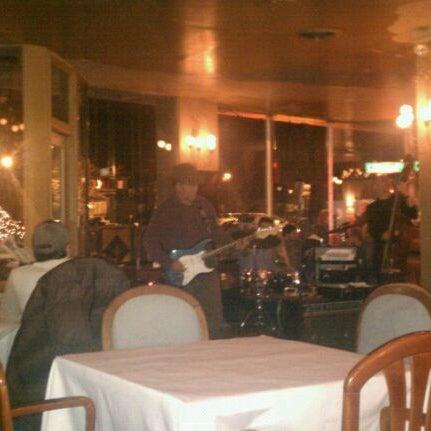 Das Foto wurde bei Sahara Restaurant von Joe J. am 12/31/2011 aufgenommen