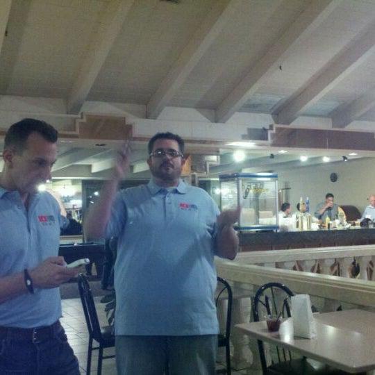 Foto tirada no(a) 4th Floor Grille & Sports Bar por Mark W. em 12/9/2011