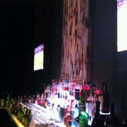 Foto tomada en The Lady Silvia Lounge por Derek W. el 1/5/2012