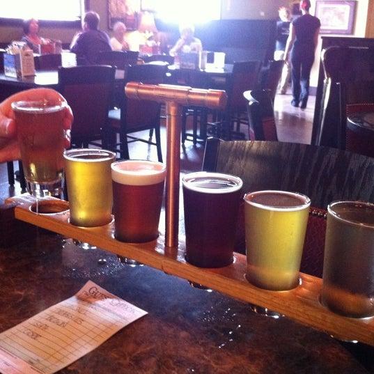 Снимок сделан в Saugatuck Brewing Company пользователем Kelly L. 5/12/2011