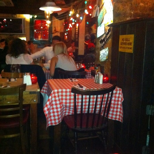 8/25/2012にGavin D.がBig Easy Bar.B.Q & Crabshackで撮った写真