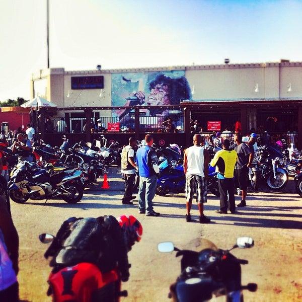Foto scattata a OT Tavern da Odin C. il 5/21/2012