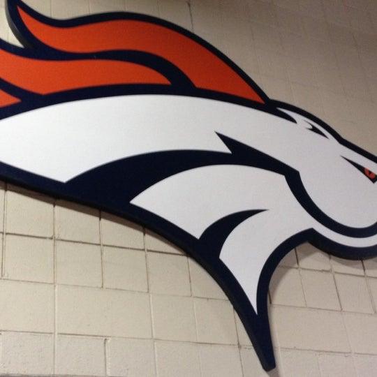 Foto diambil di Broncos Stadium at Mile High oleh Shannon C. pada 8/26/2012