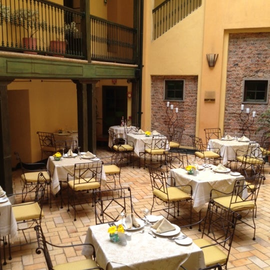 รูปภาพถ่ายที่ Hotel de la Opera โดย QueLlevar .. เมื่อ 8/26/2012