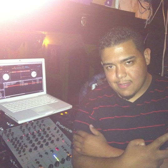 รูปภาพถ่ายที่ Tantra Lounge โดย Deejay C. เมื่อ 8/26/2011