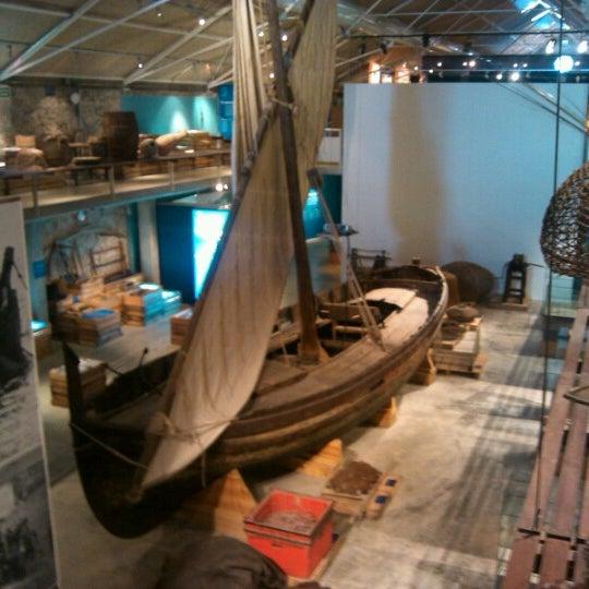 รูปภาพถ่ายที่ Museu de la Pesca โดย Aurora C. เมื่อ 8/5/2012