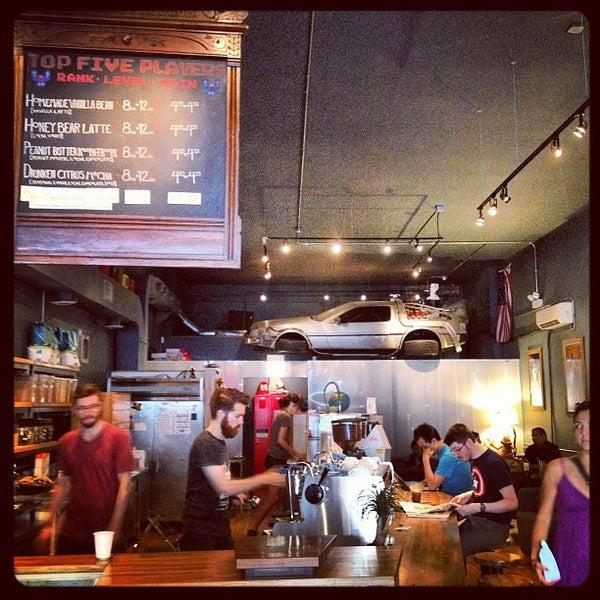 7/23/2012에 Misstrevor님이 The Wormhole Coffee에서 찍은 사진