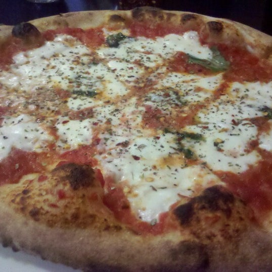 Снимок сделан в Pizza CS пользователем Ruben B. 7/6/2012