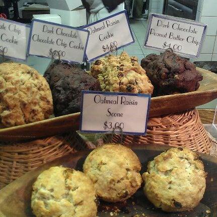 1/13/2012에 Corinna W.님이 Levain Bakery에서 찍은 사진