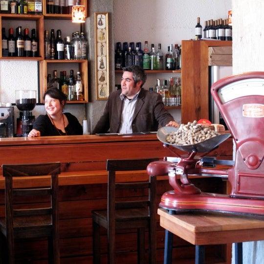 Cocina mediterranea en pleno Providencia...atendida por sus propios dueños Amalia y Cristobal !  Dato....  ¡¡ tienen menú especial para el 14 de febrero