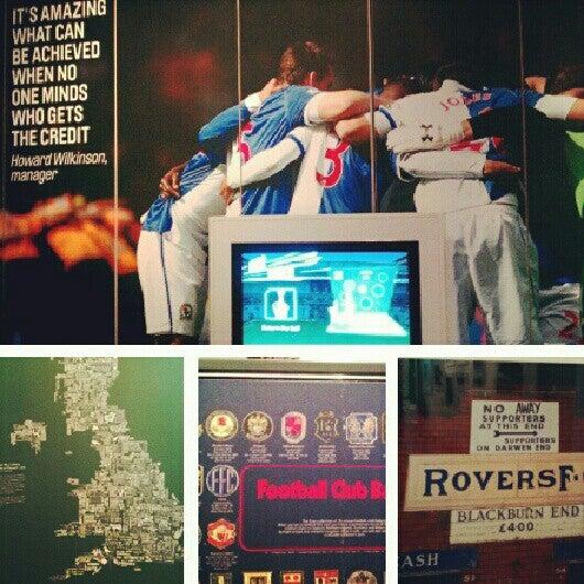 7/22/2012 tarihinde Swemeatballs ..ziyaretçi tarafından National Football Museum'de çekilen fotoğraf