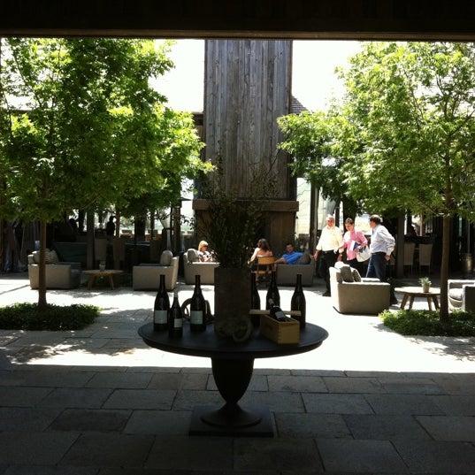 รูปภาพถ่ายที่ Ram's Gate Winery โดย Melyna H. เมื่อ 5/18/2012