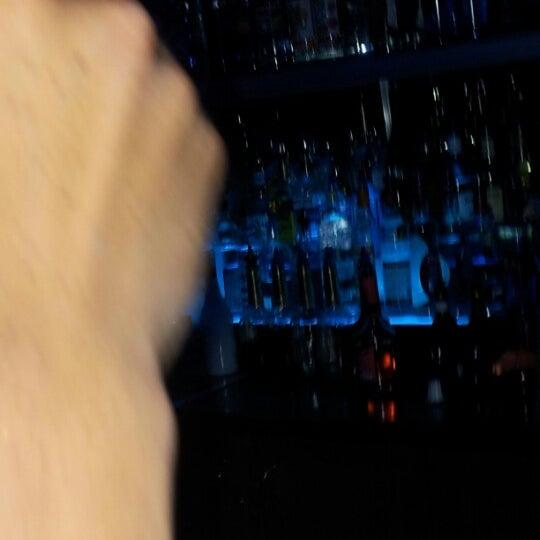 Снимок сделан в Bleu Martini пользователем Matt D. 6/16/2012
