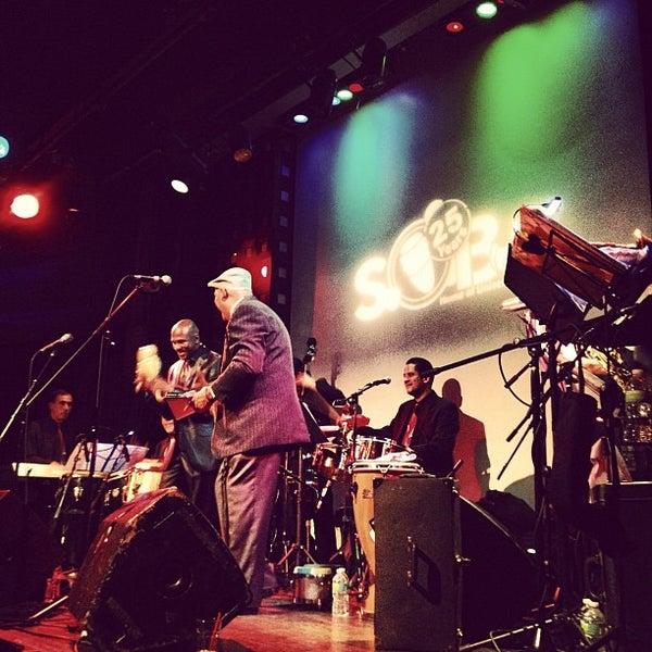 Снимок сделан в S.O.B.'s пользователем Henry S. 2/18/2012