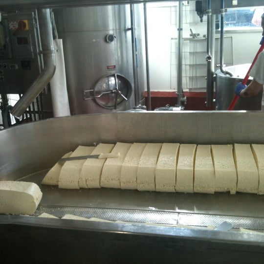 Foto scattata a Beecher's Handmade Cheese da Haley B. il 4/4/2012