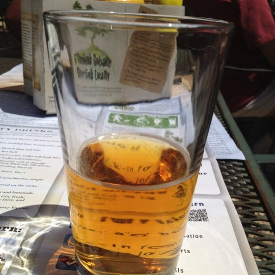 Photo prise au Park Tavern par Trey Y. le4/28/2012