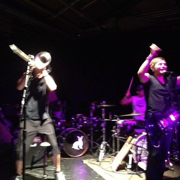 รูปภาพถ่ายที่ Warehouse Live โดย Nathen M. เมื่อ 7/25/2012