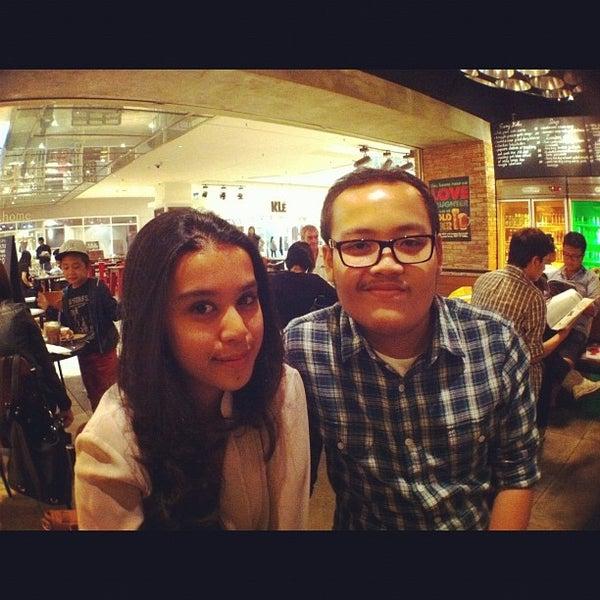 Das Foto wurde bei The People's Cafe von Dimas R. am 11/19/2011 aufgenommen
