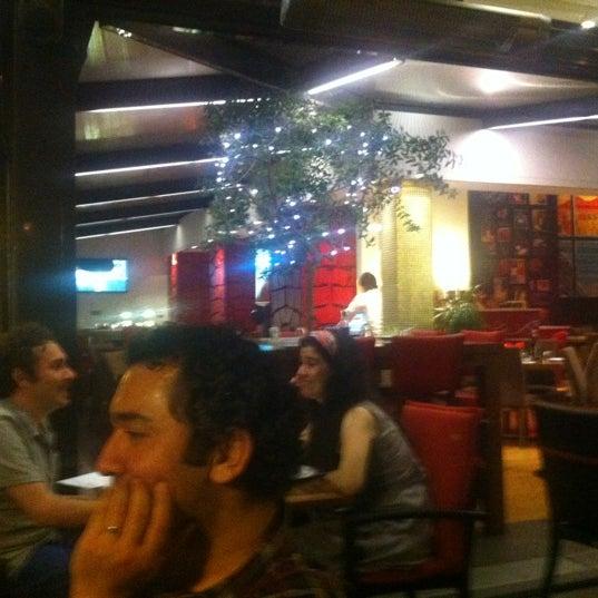 Foto scattata a Rossopomodoro da Bulent O. il 6/29/2012
