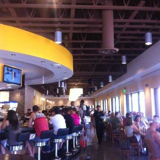 Photo prise au Breakfast Club par Heather F. le5/6/2012